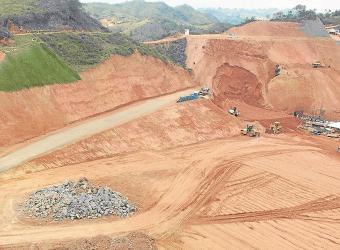 Proyectos de Oro Avanzan, Pese a Crisis en Minería
